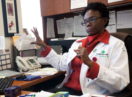 врач хирург США