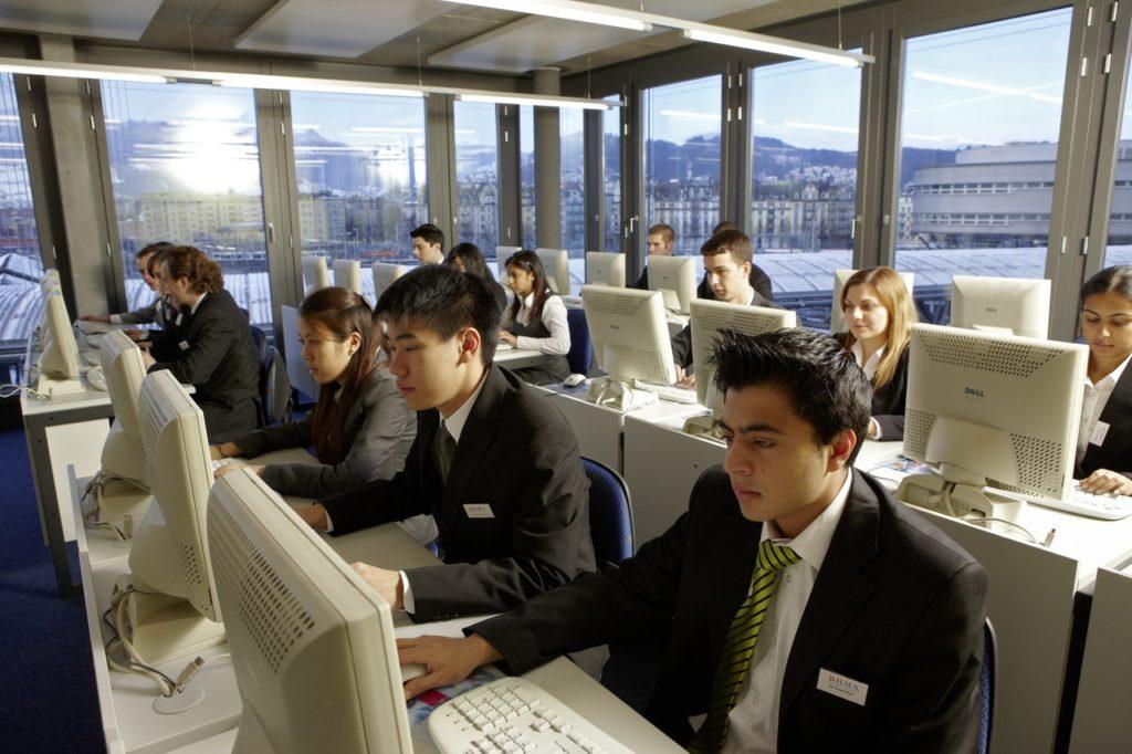 Слушатели курса бизнес школы