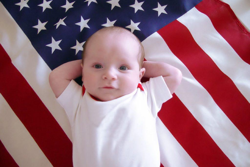 Ребёнок на флаге США