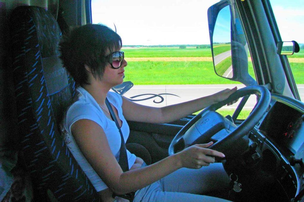 Женщина дальнобойщик