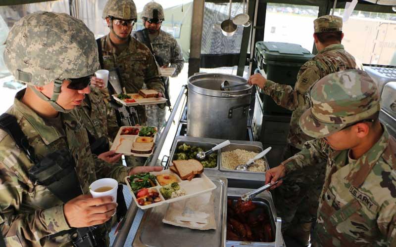 Питание и проживание в армии США