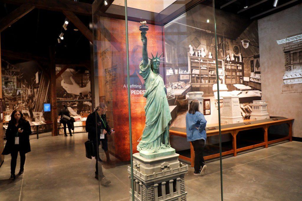 Музей на пьедестале Статуи Свободы