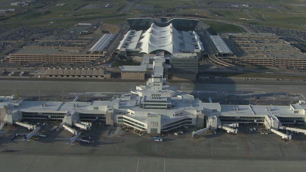 Крупнейший аэропорт США находится в Денвере
