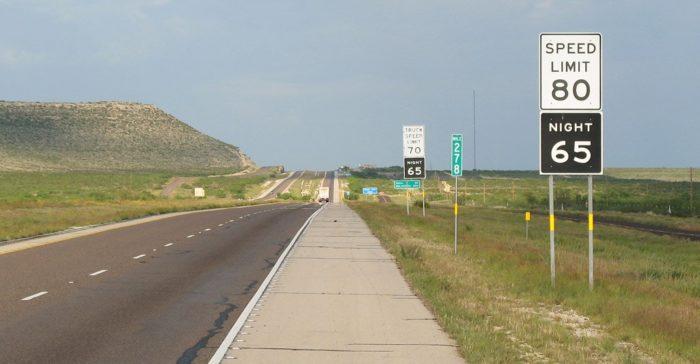Ограничения скорости на дорогах в США