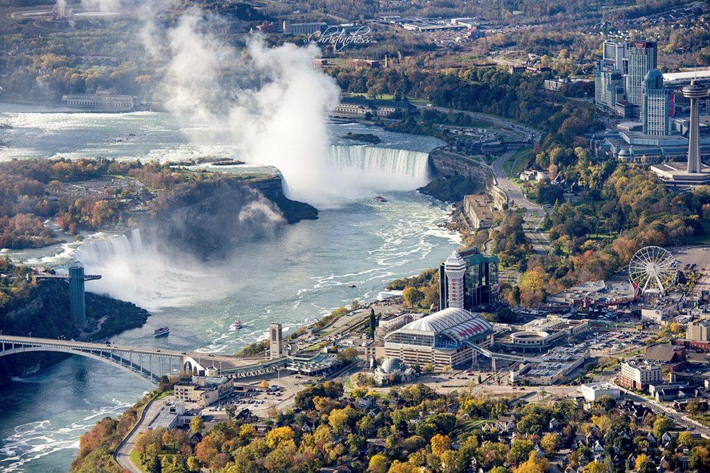 Первые электростанции в Канаде